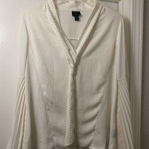 White flowy sleeve blouse